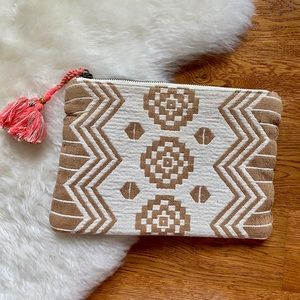 Old Navy Woven Beach Clutch with Tassel